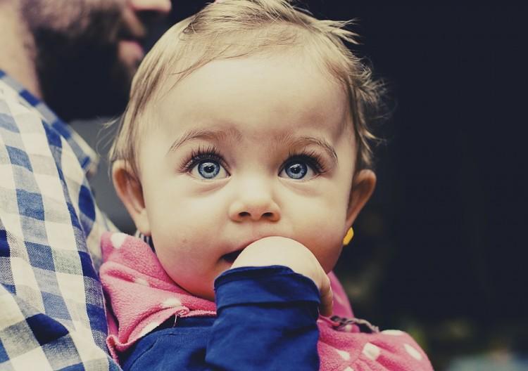 Hábitos que dañan la salud bucal de los más pequeños