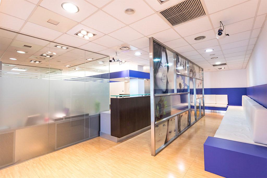 Nuestras cl nicas dental vall s - Sant cugat trade center ...